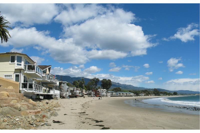 Montecito beach front homes on miramar beach for Santa barbara beach house