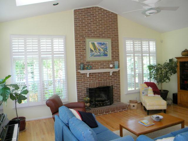 Nice family room in Chantilly Highlands 4 sale soon