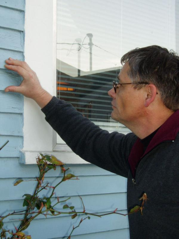 King of the House photo, siding inspection