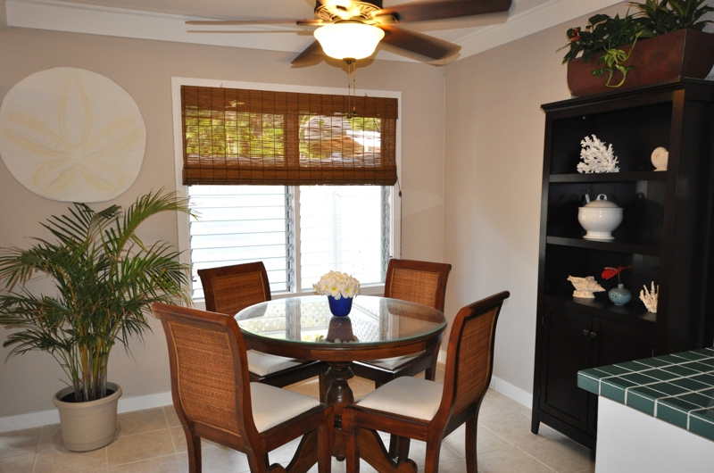 Open Plan Living With Dining Off Kitchen