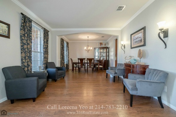 Homes for Sale in Frisco TX - Entertaining has never been so easy in the bright and airy living room of this home for sale in Frisco TX.