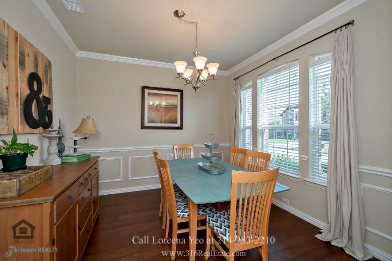 Little Elm TX Homes for Sale - Fill the formal dining room of this Little Elm home with laughter and stories.