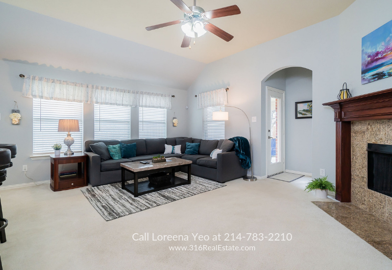 Homes in Paloma Creek South Little Elm TX - The bright and airy living space of this  Little Elm TX home is perfect for relaxation and entertaining.