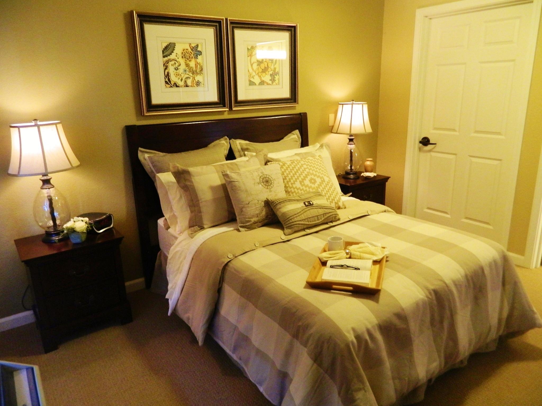 Small Bedroom Design - Think Hotel