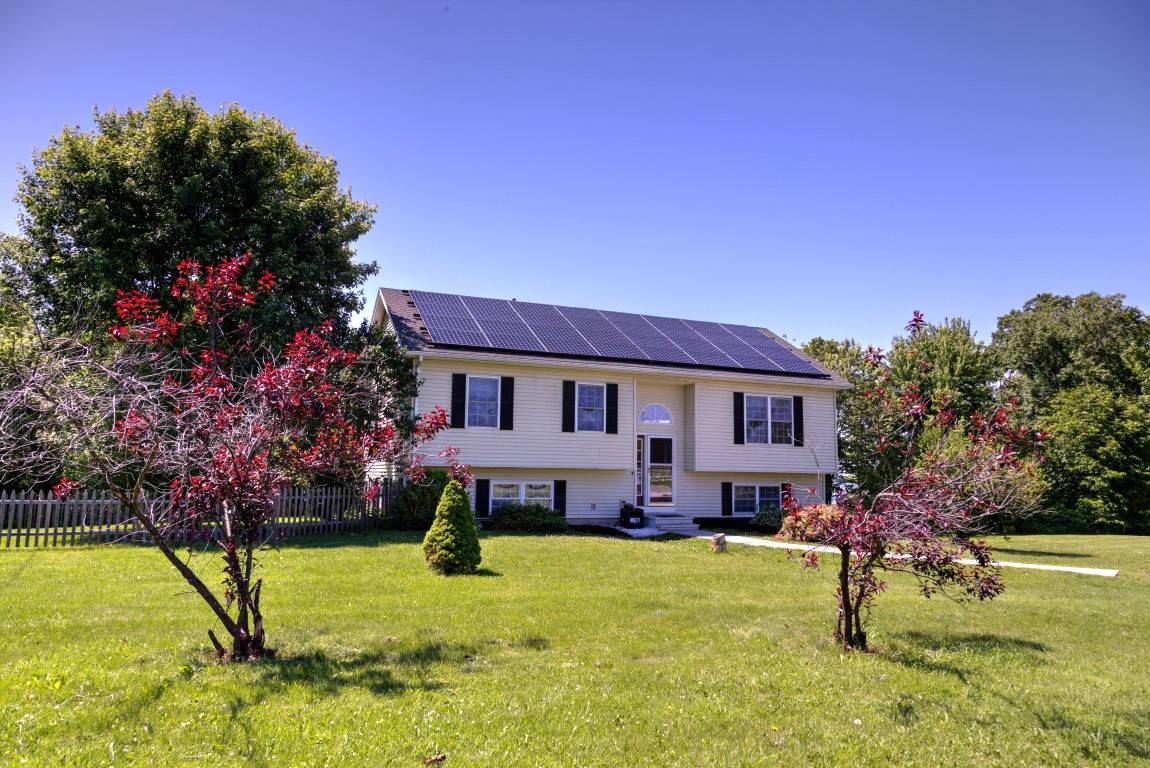 New listing charming split level home with deeded lak for New split level homes