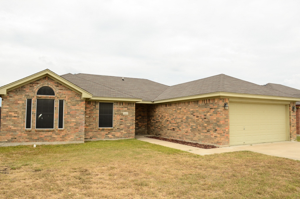 Bath Home For Sale In Goodnight Ranch Killeen Texas If You Need A 4 Bedroom Home But Not A 4 Bedroom Price Tag Look No Further
