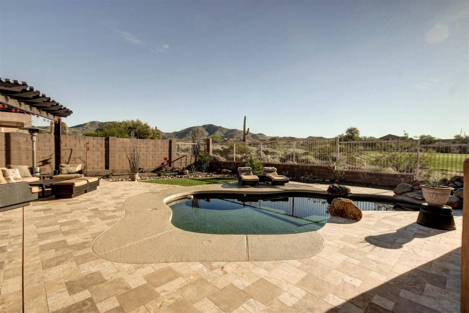 Las Sendas Community Pool