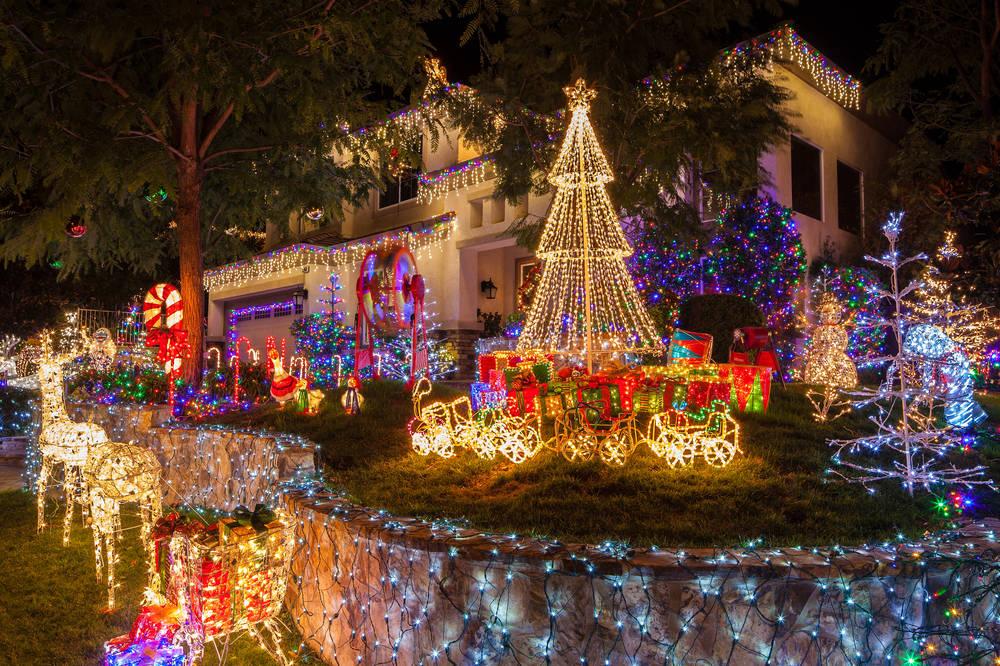 15 Las Vegas Neighborhood Christmas Light Shows