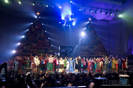 Singing Christmas Tree Orlando.The Singing Christmas Trees An Orlando Holiday Tradition