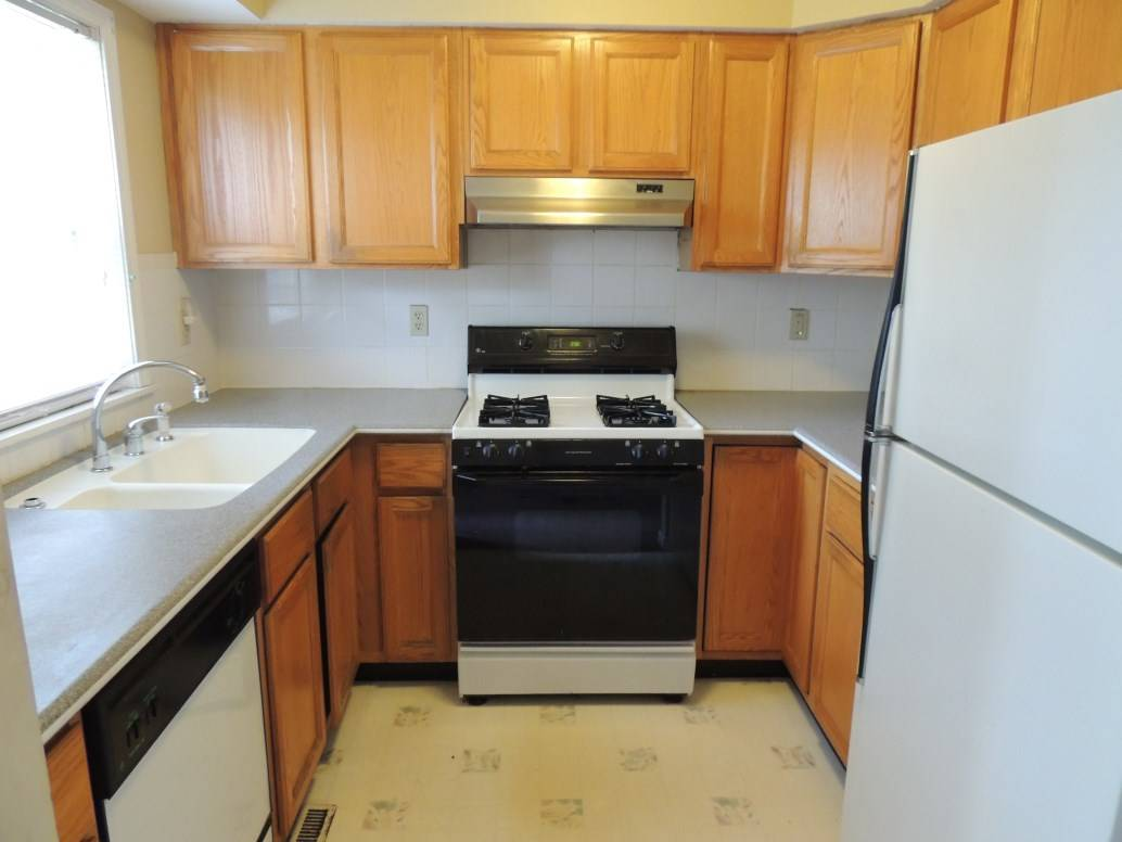 Why a multifamily home for first time home buyers in bl for Separate kitchen units