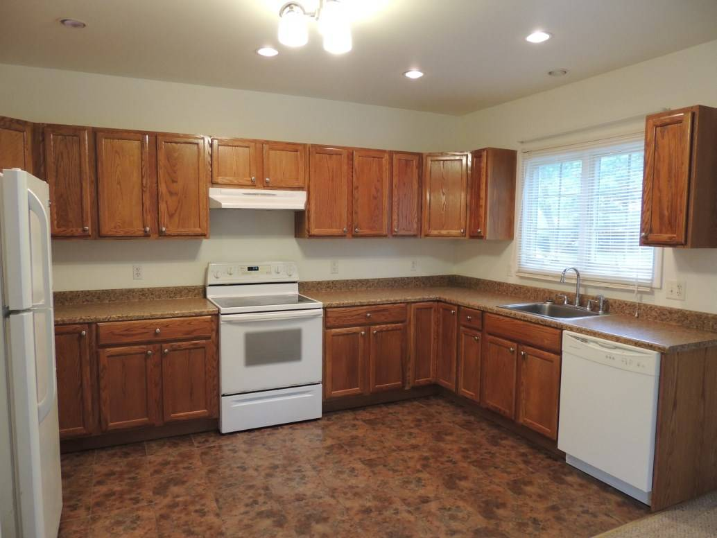 Shelton Ct Colonial With In Law Apartment For Sale