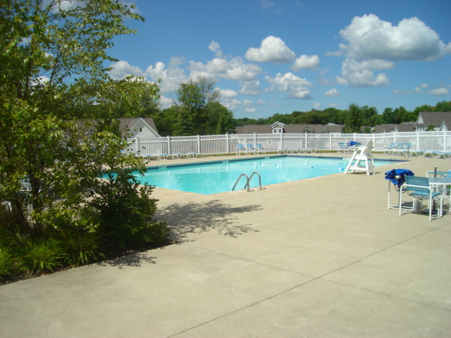 macintosh farms pool