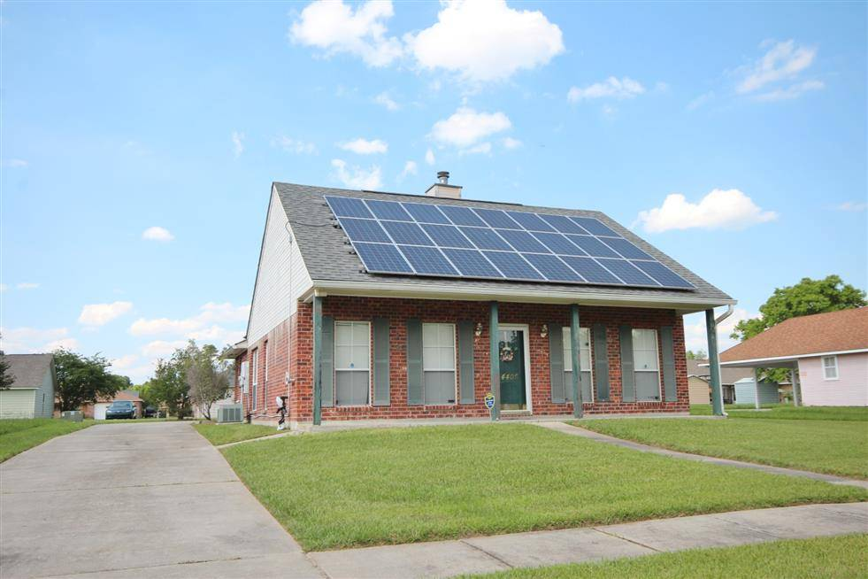 Baton Rouge Home With Solar Panels On Roof