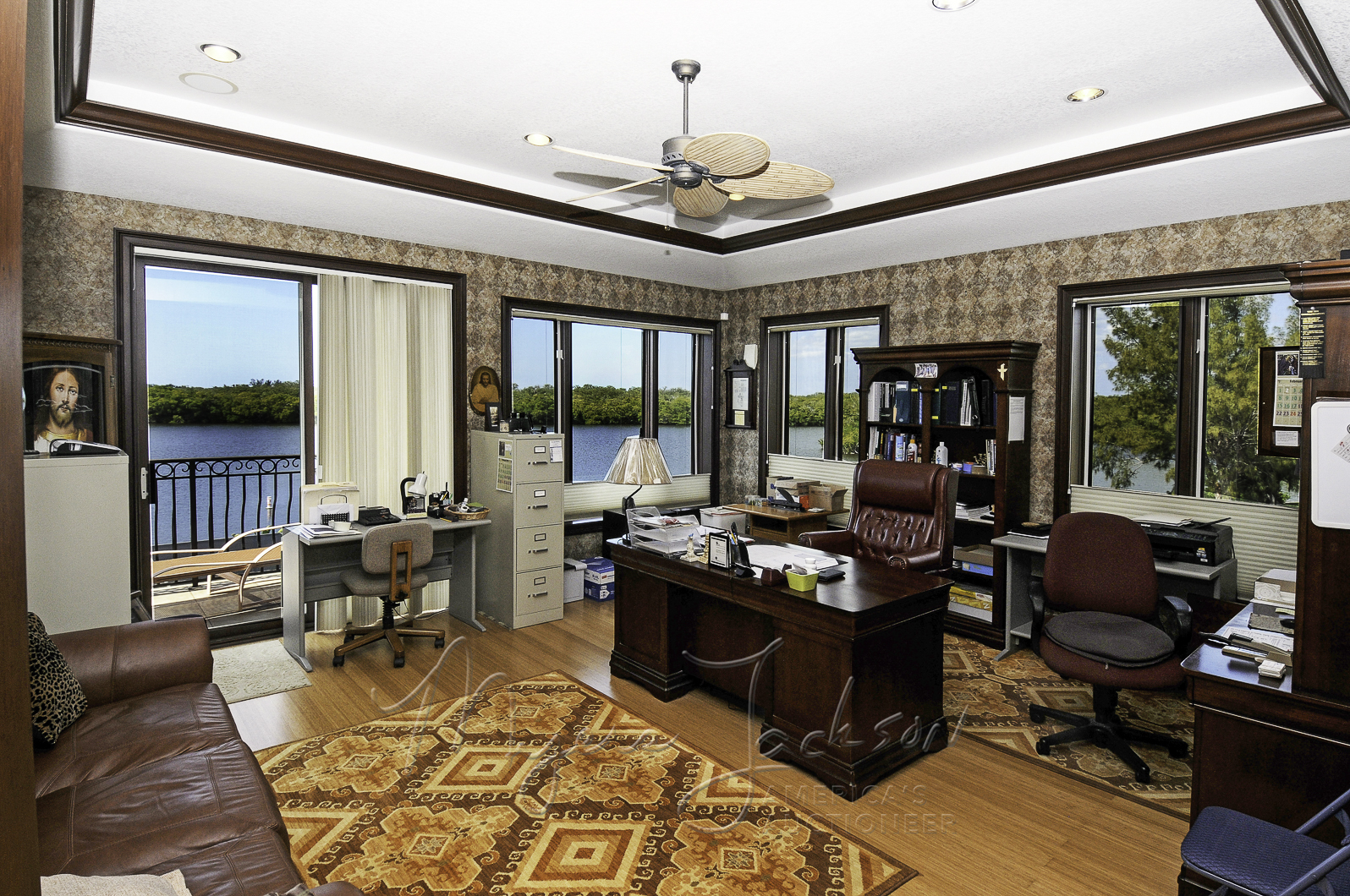 Luxury Home Office #luxehomeauction by myers jackson broker