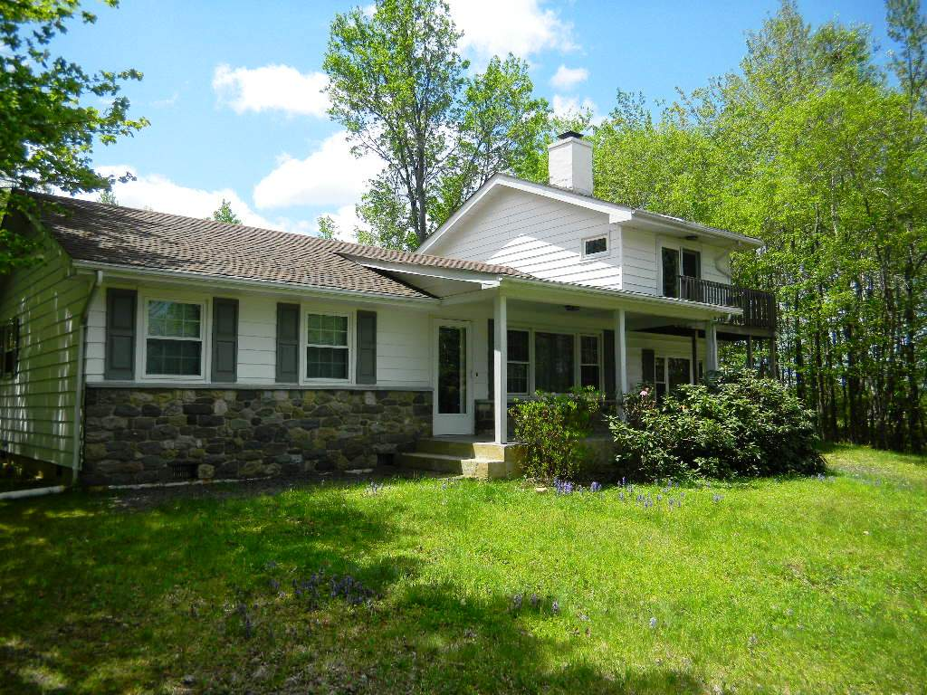 lakefront homes for sale in pennsylvania this one just
