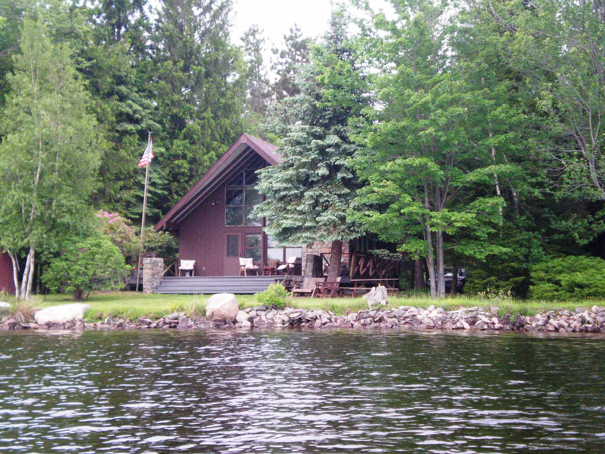 Lakefront Homes For Sale In The Poconos Under Contrac