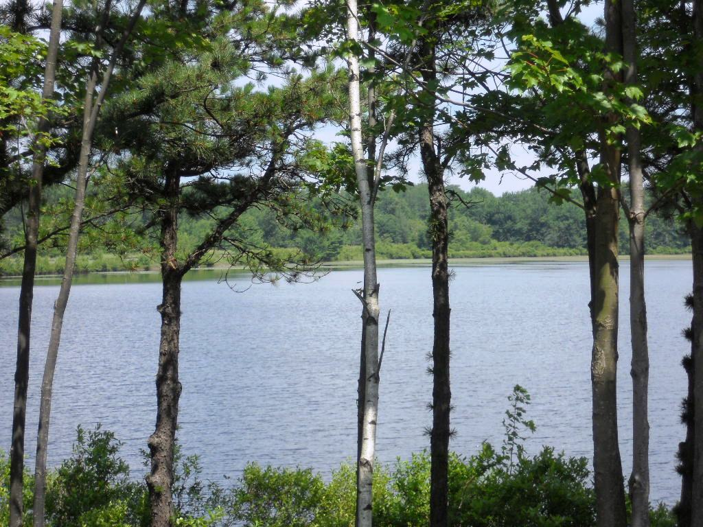 lakefront homes for sale in the poconos