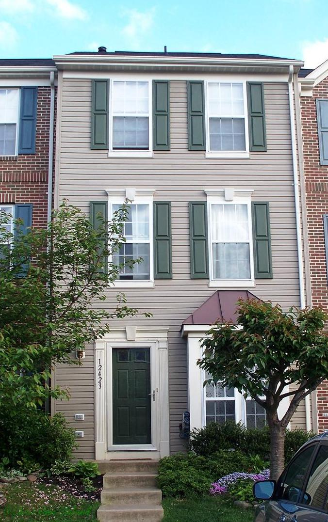 This is an example of a smaller Braemar townhouse with no garage.
