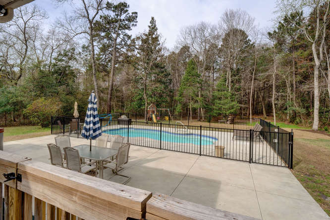 446 Swimming Pool