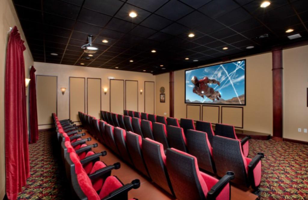 3065 Beach Palm Paradise Palms Movie Theater