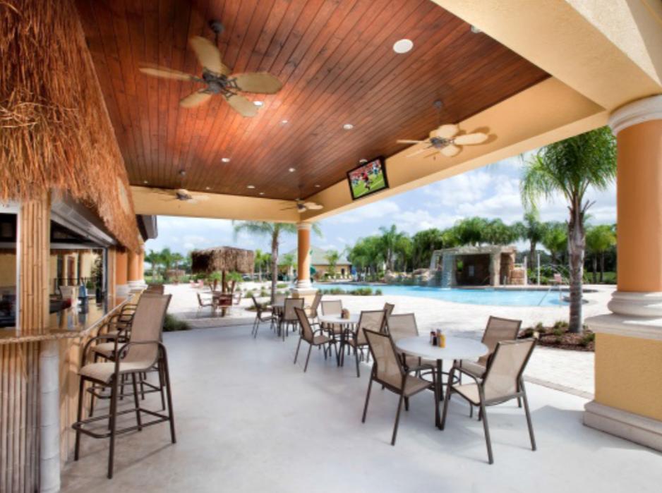 3065 Beach Palm Paradise Palms Tiki Bar