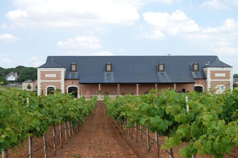 CROSS TIMBERS WINERY