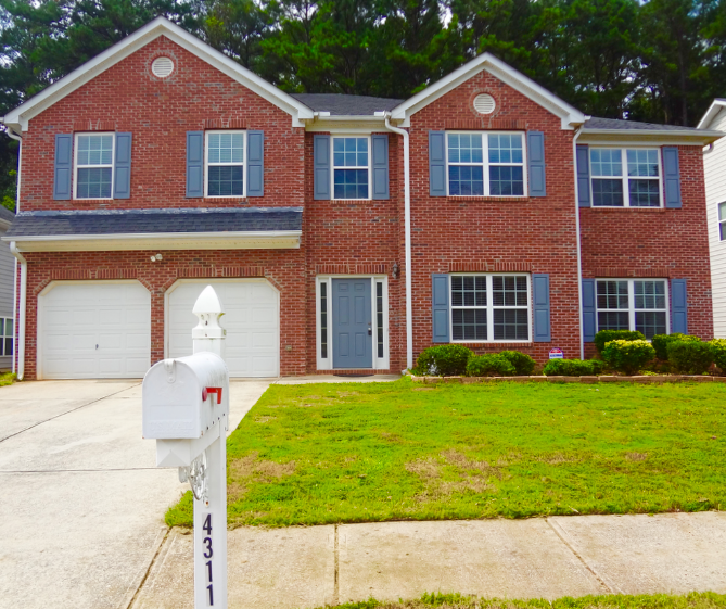 South Fulton master on main is under contract in just 3 days on the market.