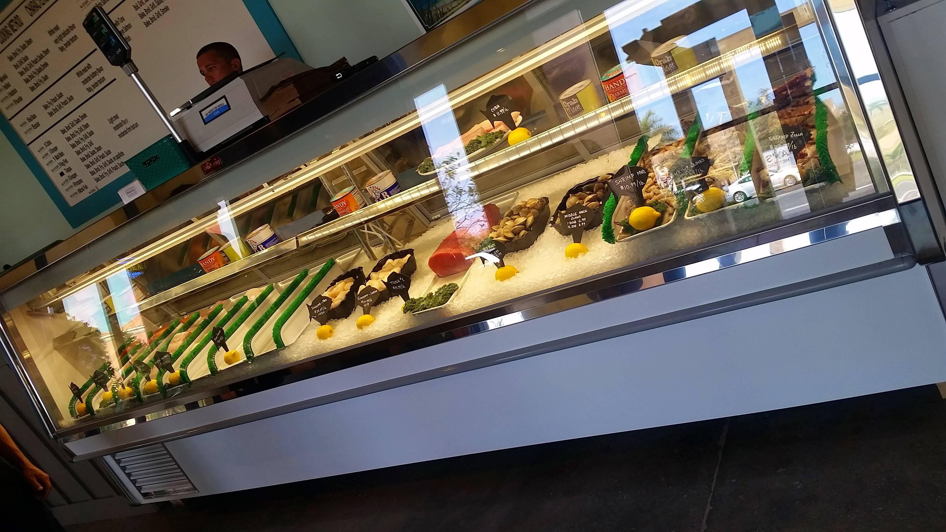 Fish crazy restaurant naples florida for Fish restaurant naples