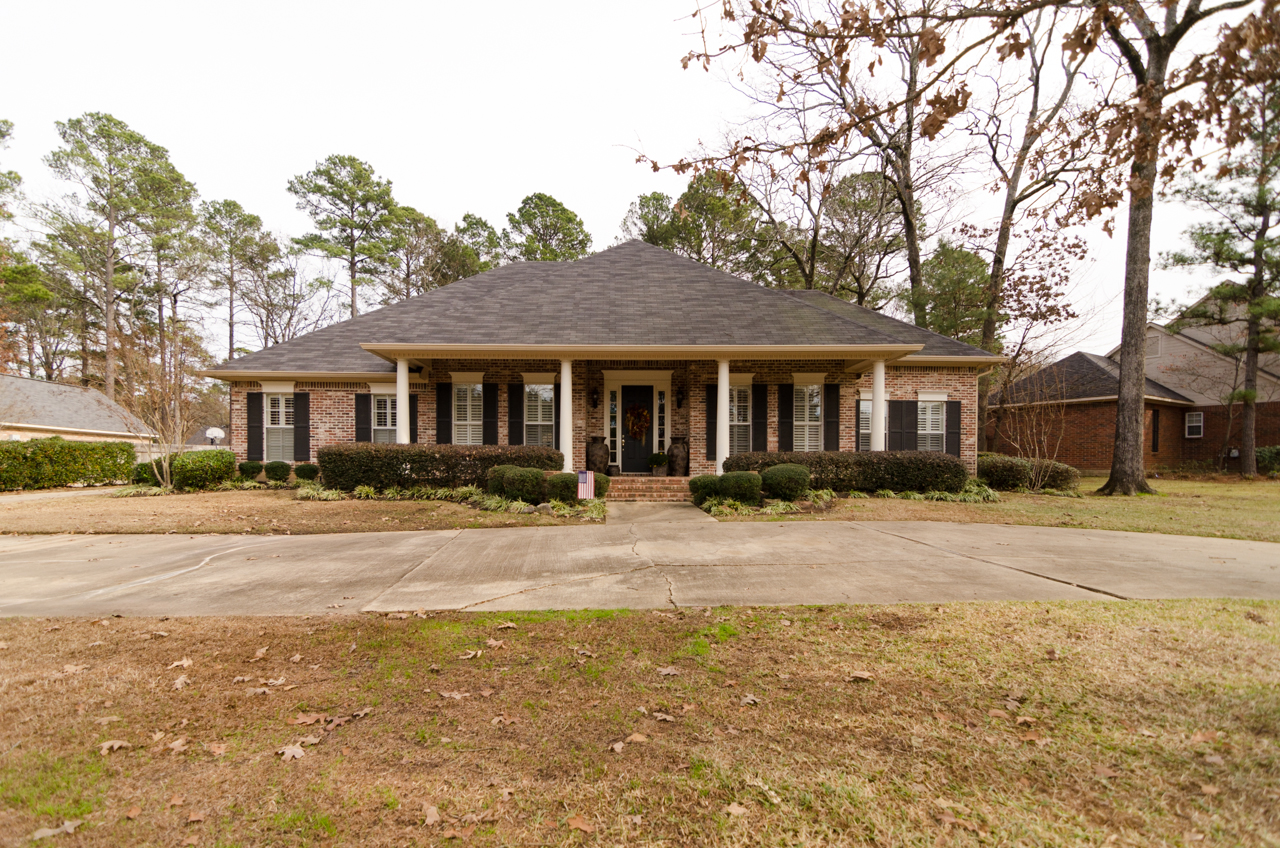 Luxurious home for sale in long lake estates in shreveport for Home builders in shreveport la