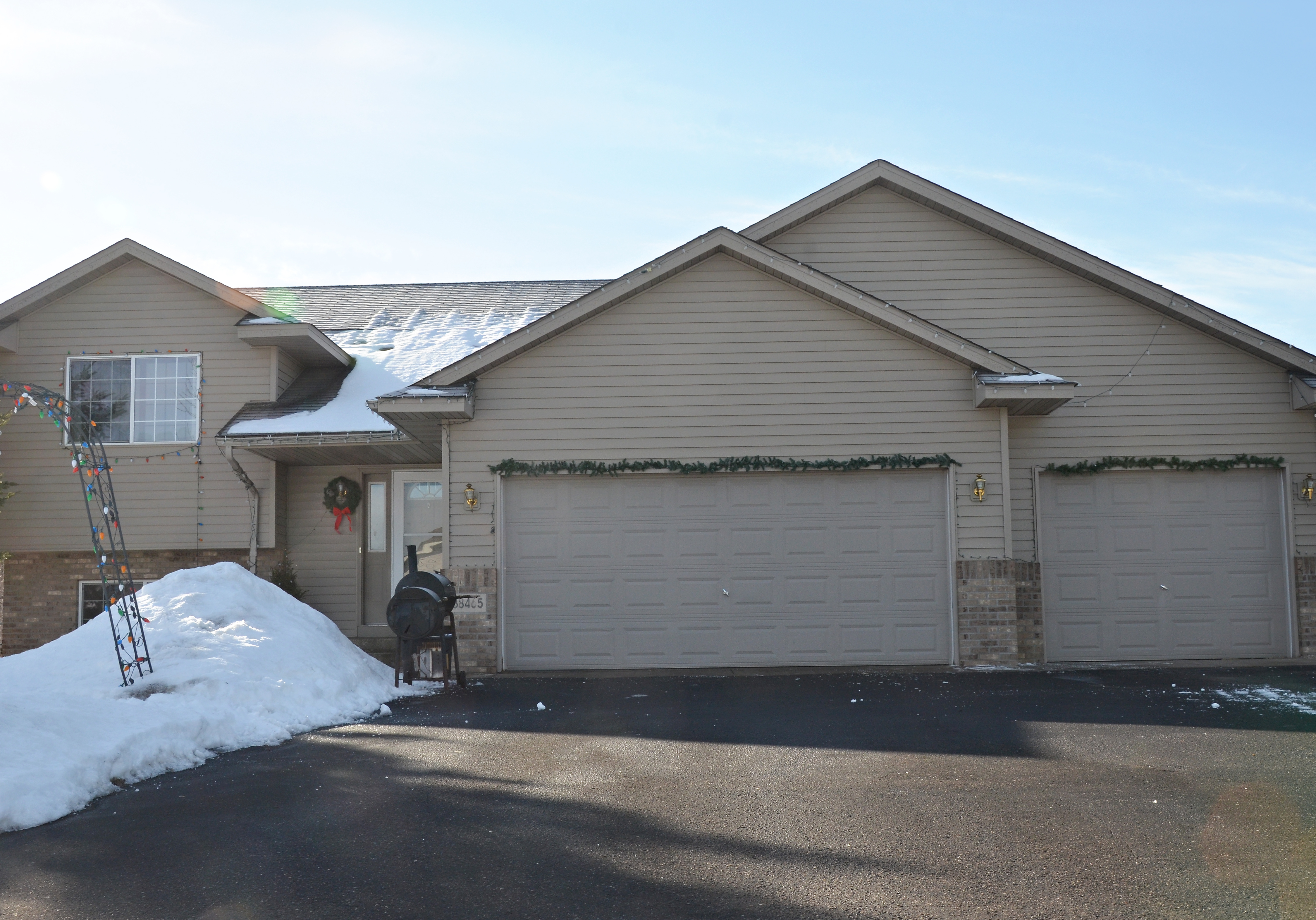 re max results north branch home for sale 2br 2ba