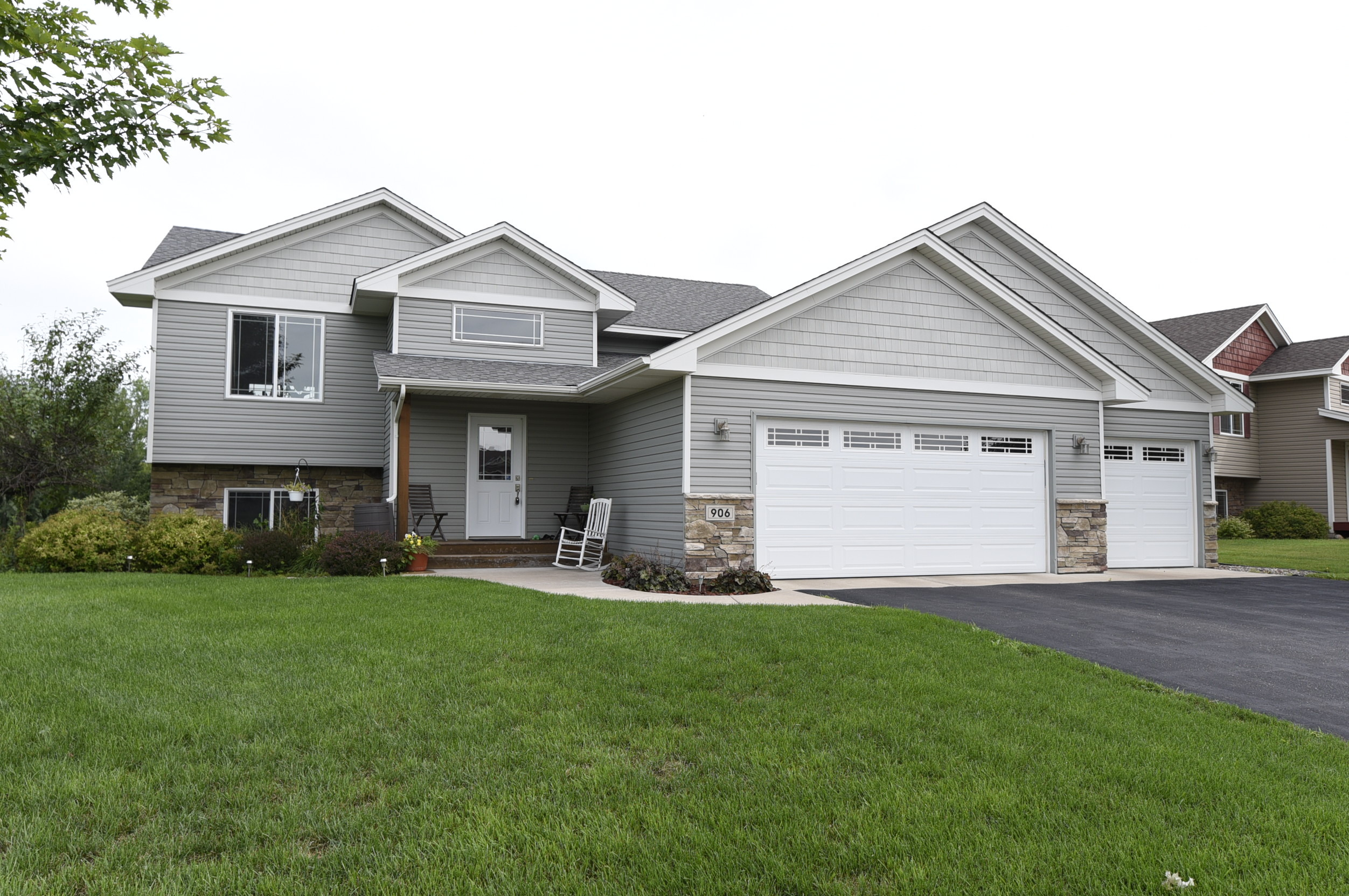 re max results well maintained isanti home for sale