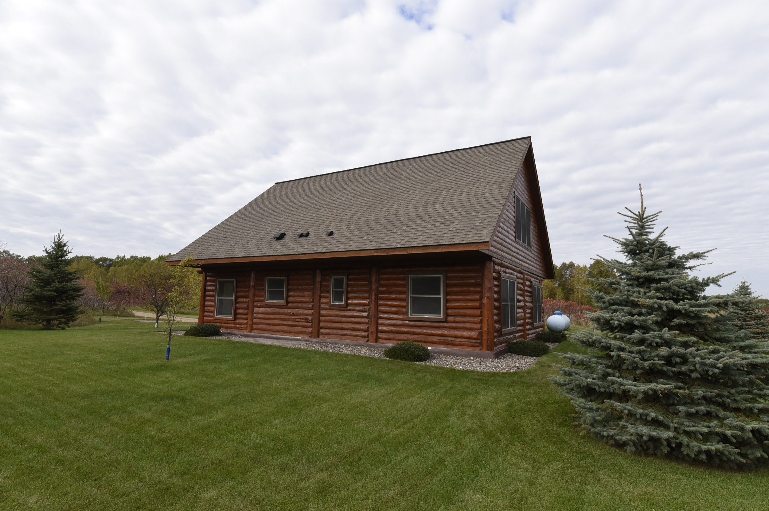 re max results gorgeous log home for sale in aitkin mn