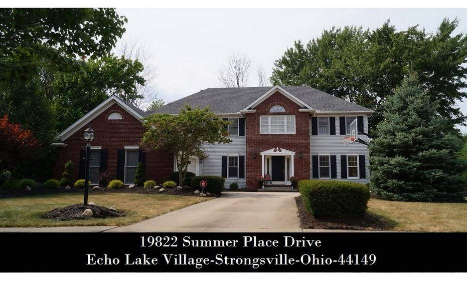 Cleveland OH MLS Home Listings - 19822 Summer Place Dr - Strongsville, OH - CALL 440-336-0612