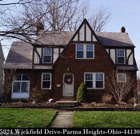 Cleveland oh mls listing 5824 wickfield dr parma 44130 for Ohio homebuilders