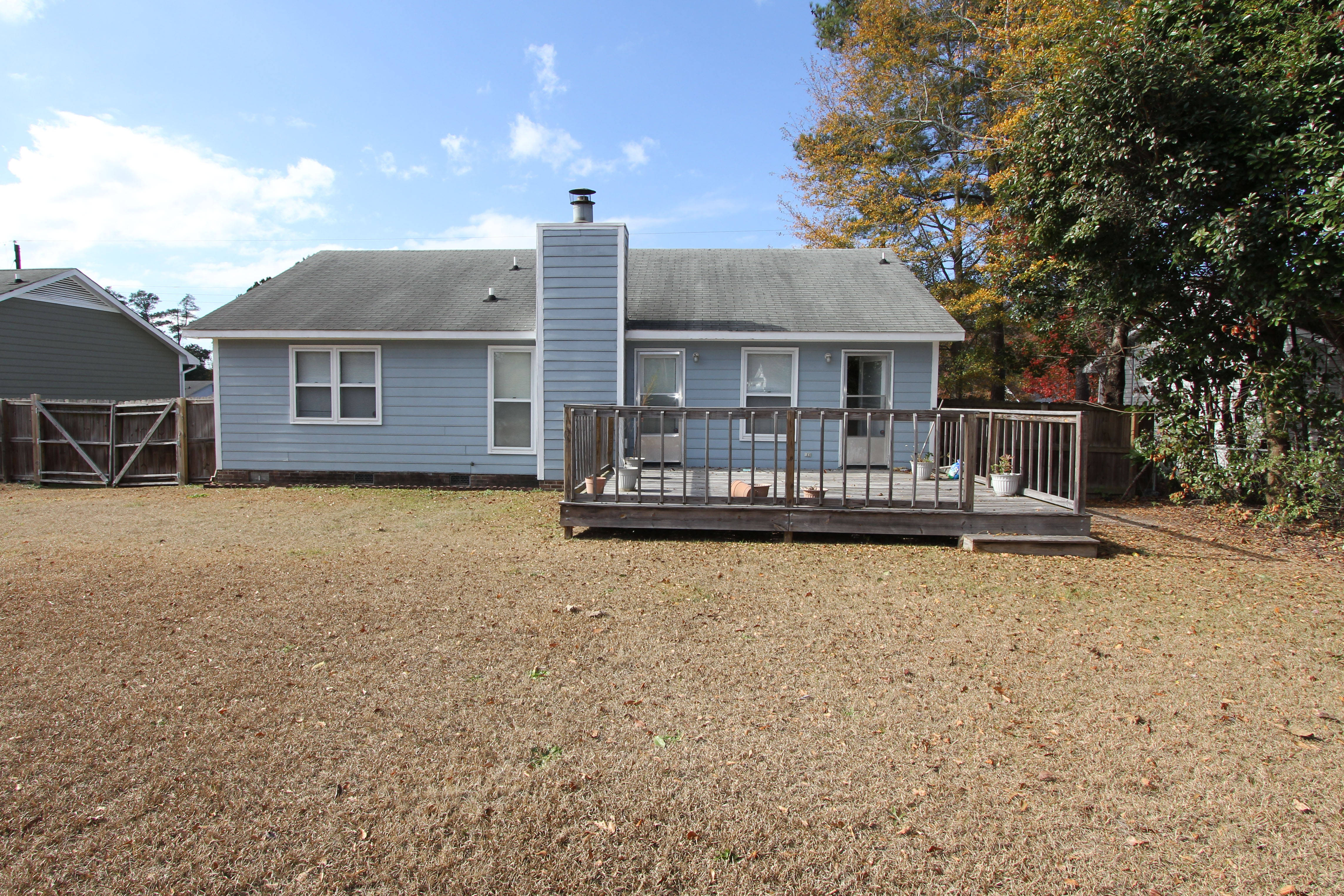 House For Sale in Fayetteville With a Big Backyard
