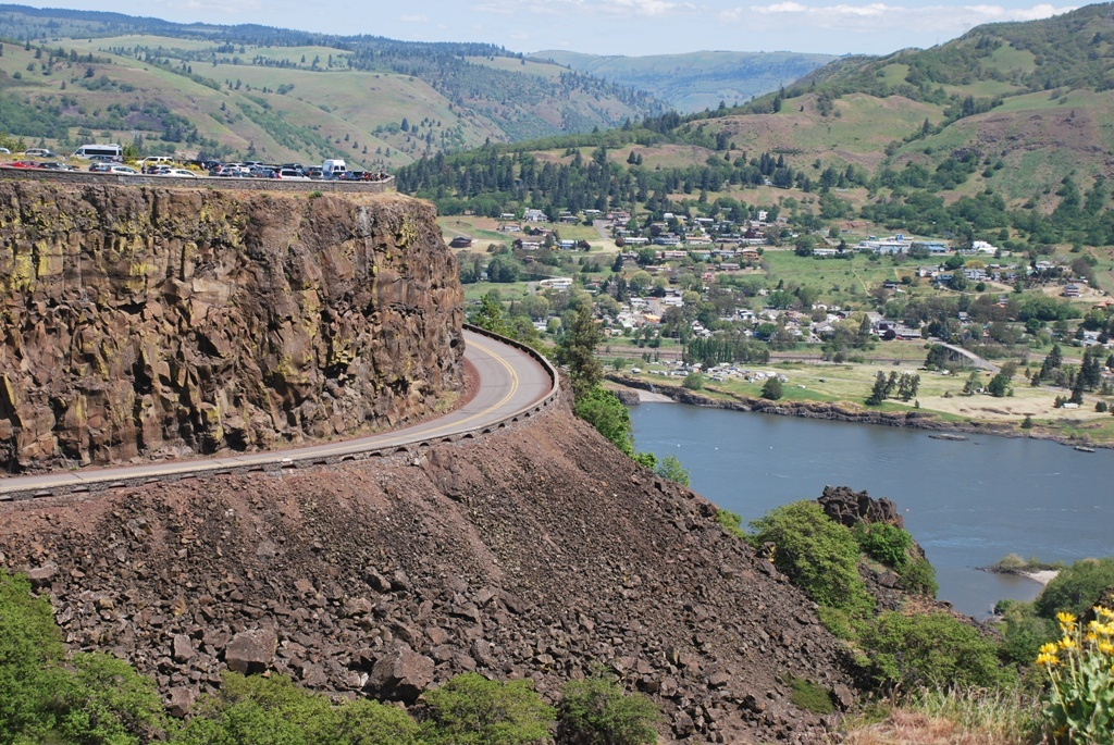 Rowena Plateau Overlook and Old US 30 Scenic Higway May 2019
