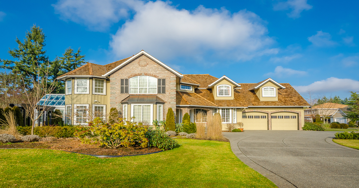 How to negotiate with a custom home builder for Custom house charlotte
