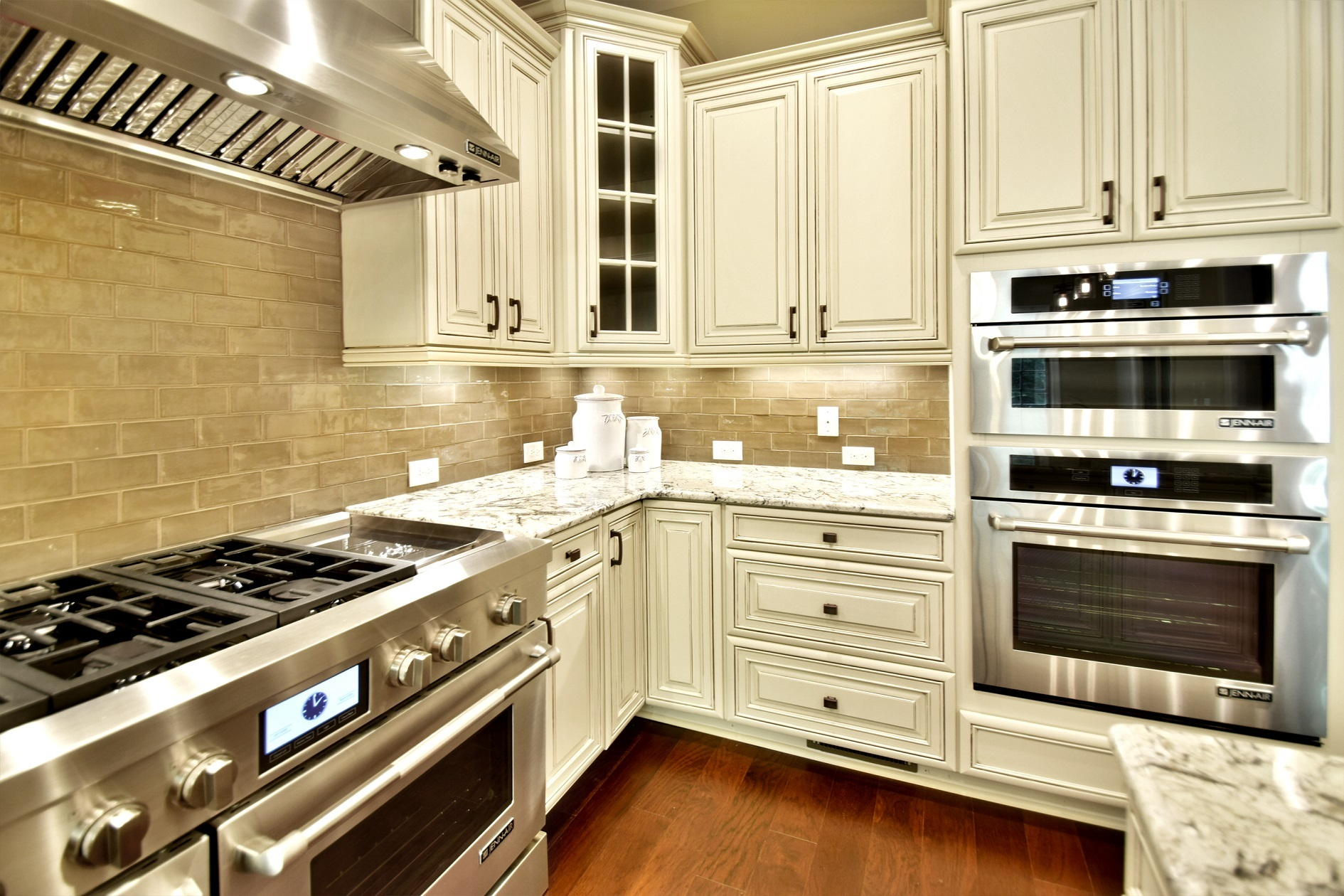 Tips to Declutter Your Kitchen in the New Year
