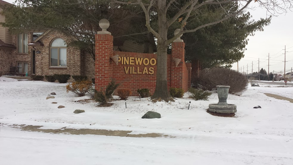 Pinewood Villas In Macomb Twp