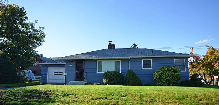 810 W 12th St The Dalles, OR 97058