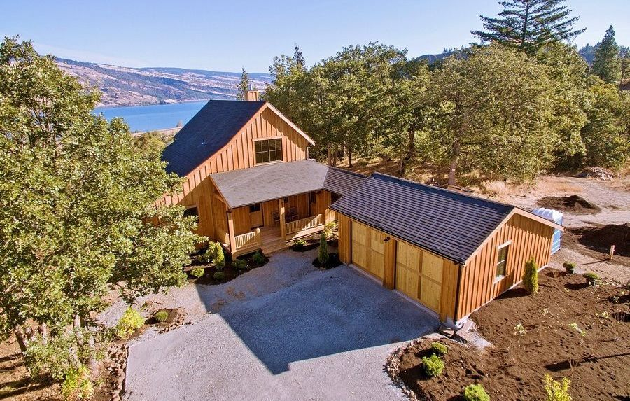 855 5th Ave Mosier OR 97040