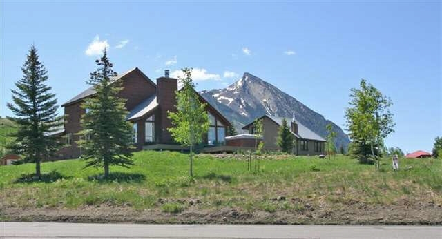 Beautiful single family home with Mt. Crested Butte in the background
