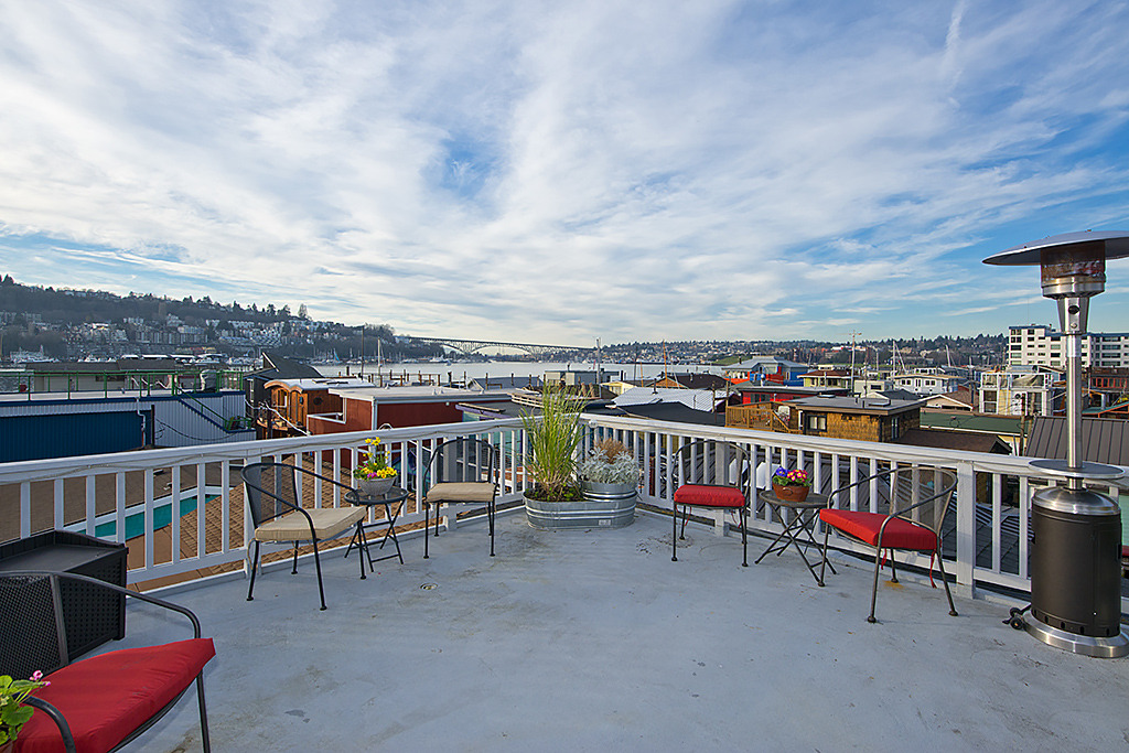 seattle houseboats with rooftop decks