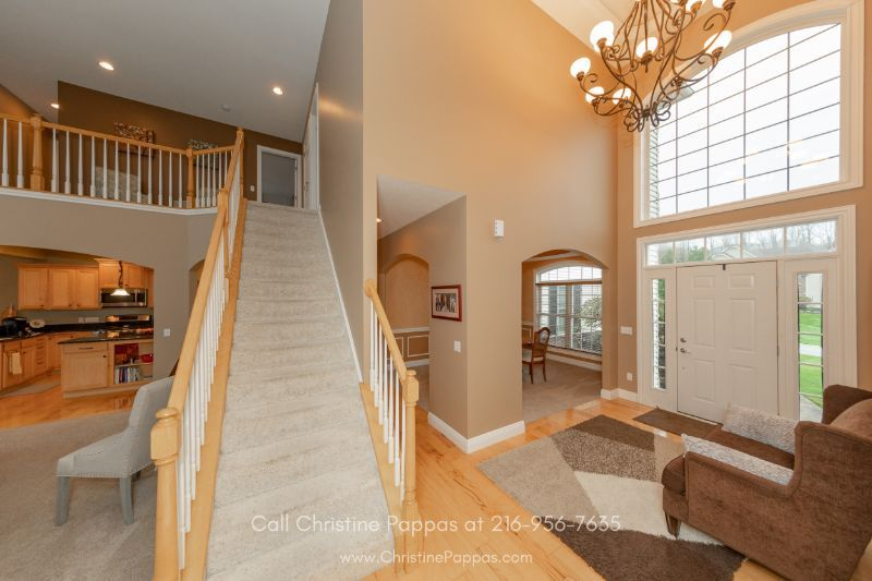 Mountainside Farms Concord OH Homes - Bask in the warm welcome of the inviting entryway of this home for sale in Concord OH.