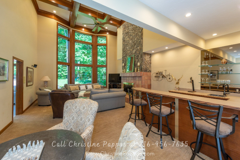 Luxury Home for Sale in Concord Township OH- Enjoy gatherings with your family and friends in this home's majestic great room.
