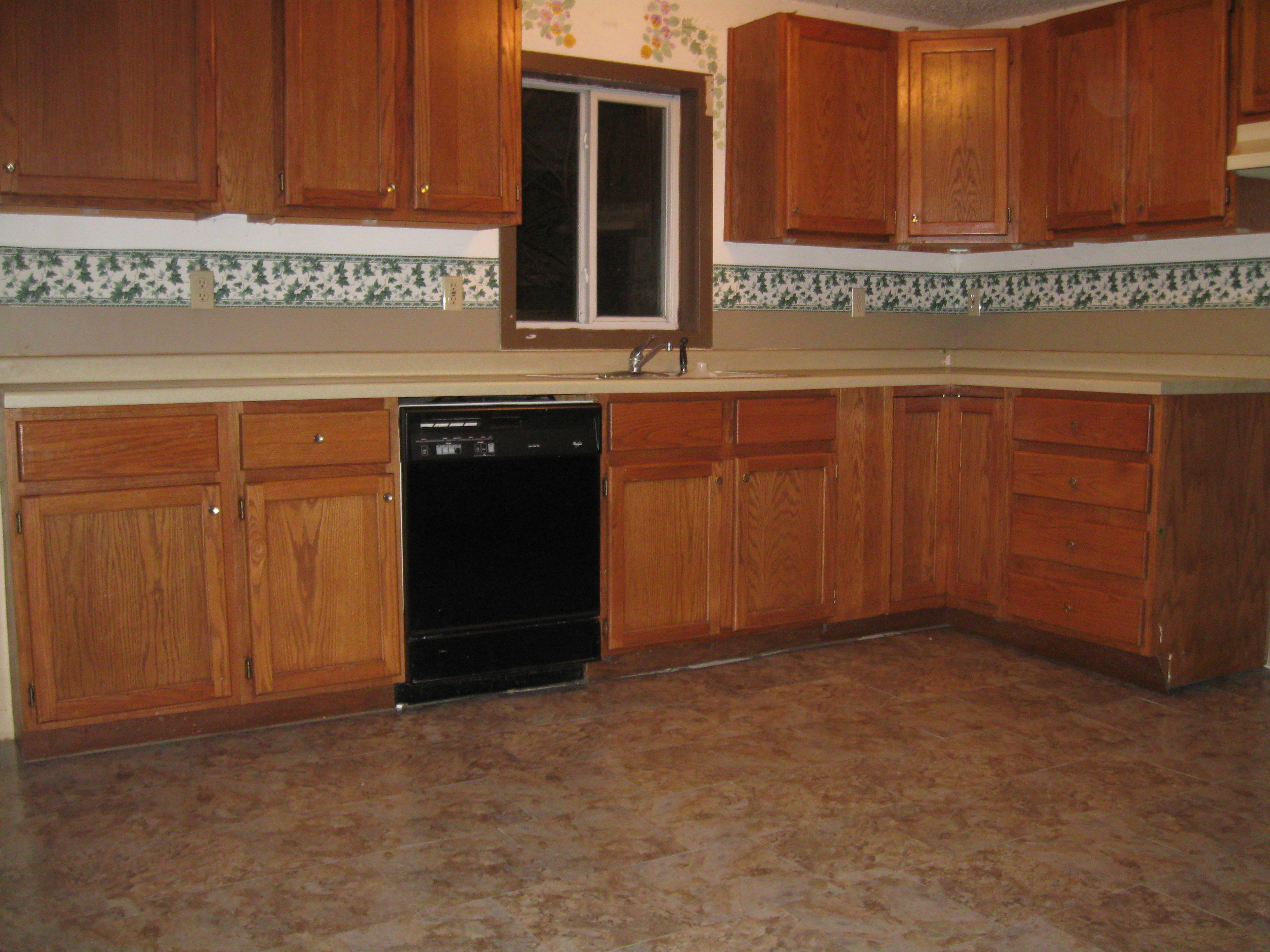 Spacious Cottage Style Home Near Mead Park And Wisconsin River # Craigslist Muebles Waukesha Wi