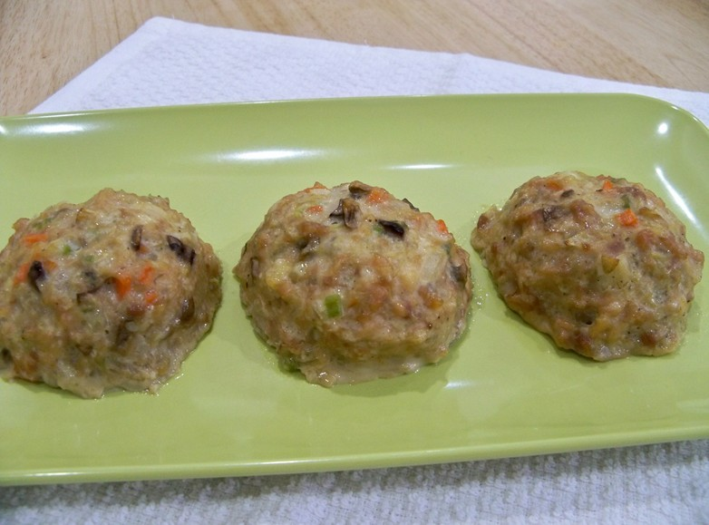Chinese chicken meatballs with carrots