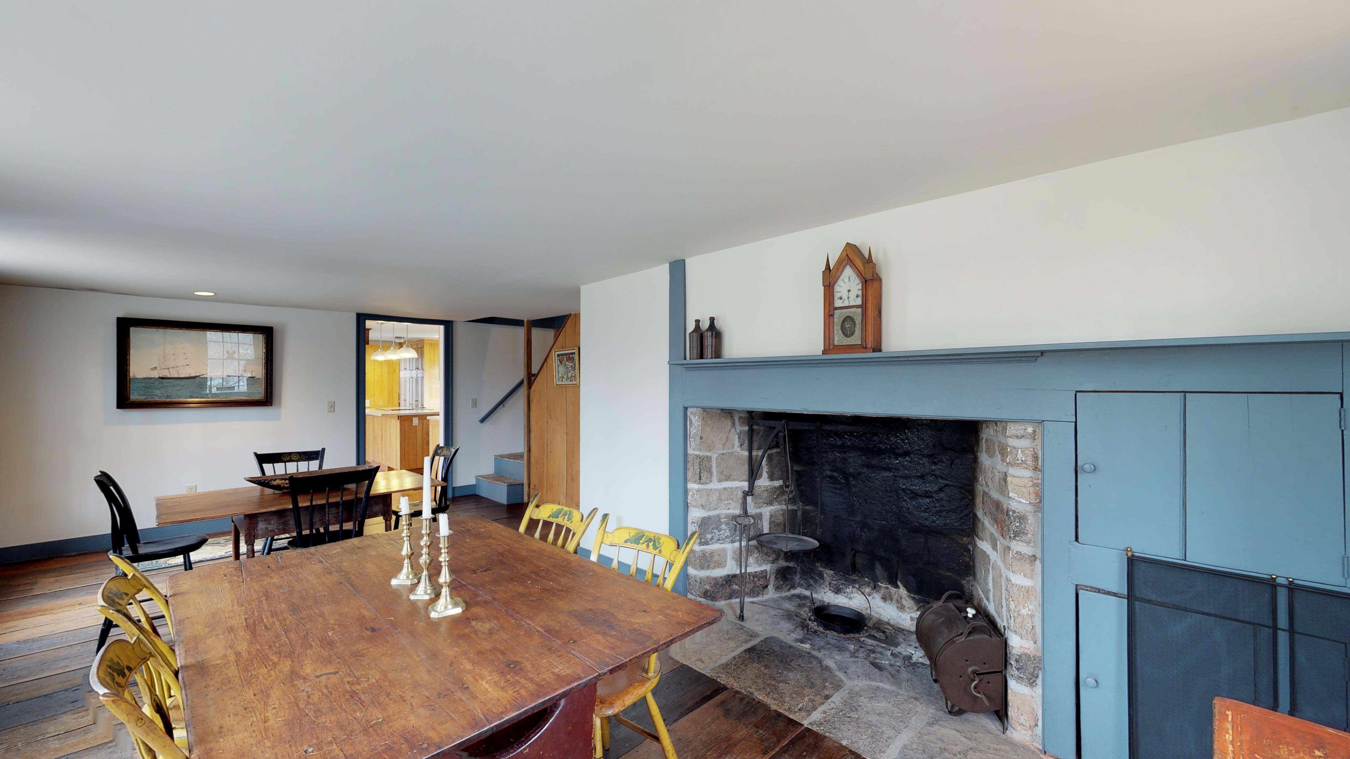 dr to fireplace
