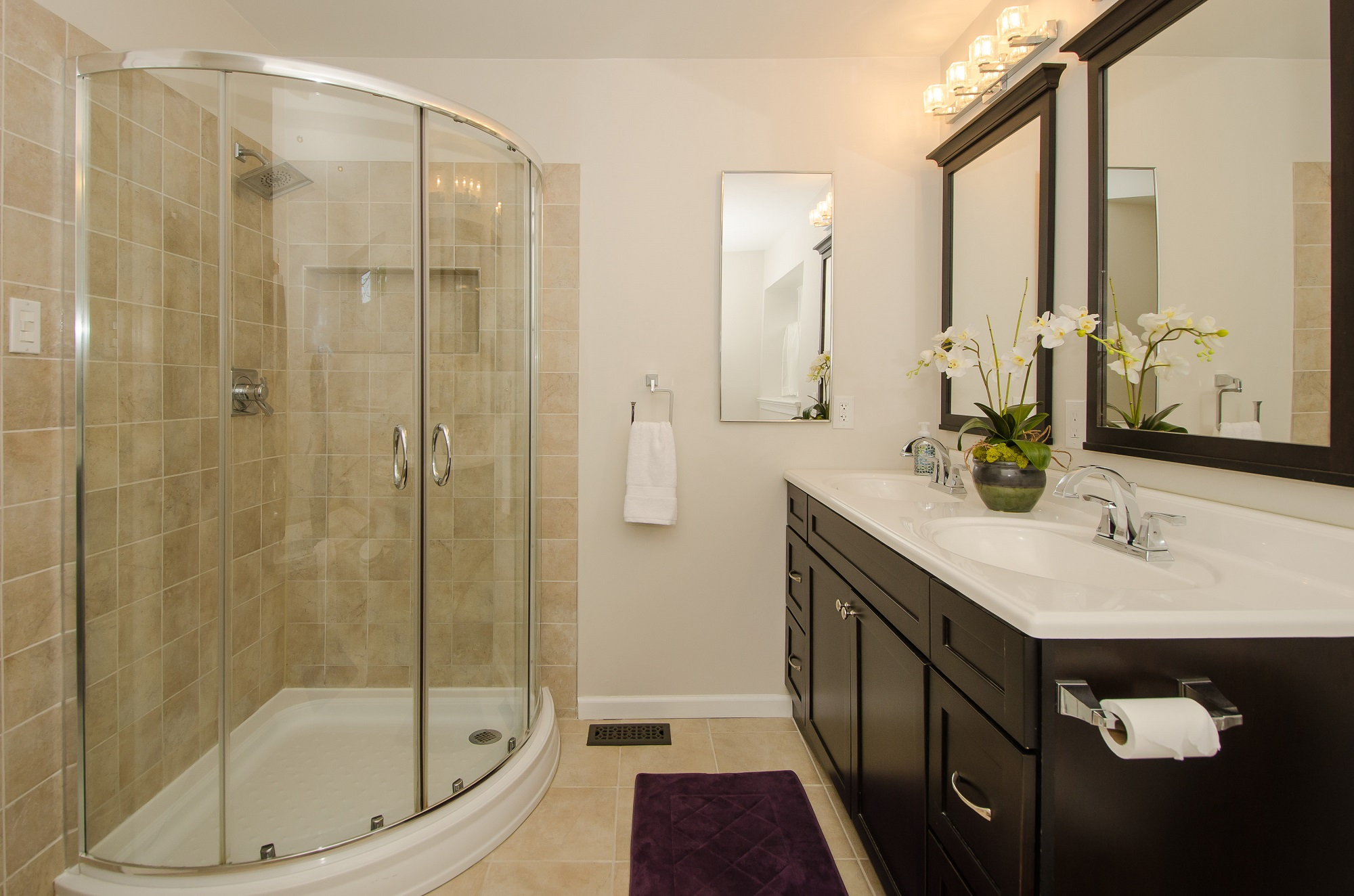 Home for sale in newtown grant 5 buttercup ln newtown pa for Master bathroom with walk in closet