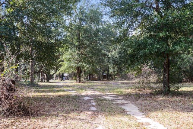 12009 County Rd. 97 Elberta, Al.
